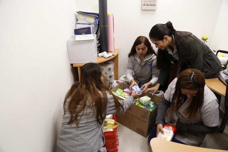 Realizan colecta de víveres y artículos de higiene para familias migrantes