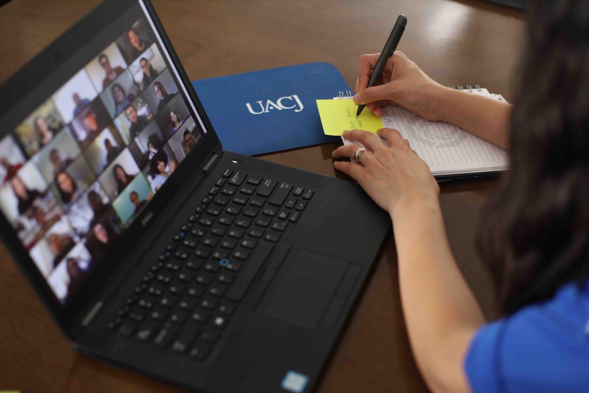 Llama UACJ a inscripciones en línea para próximo semestre