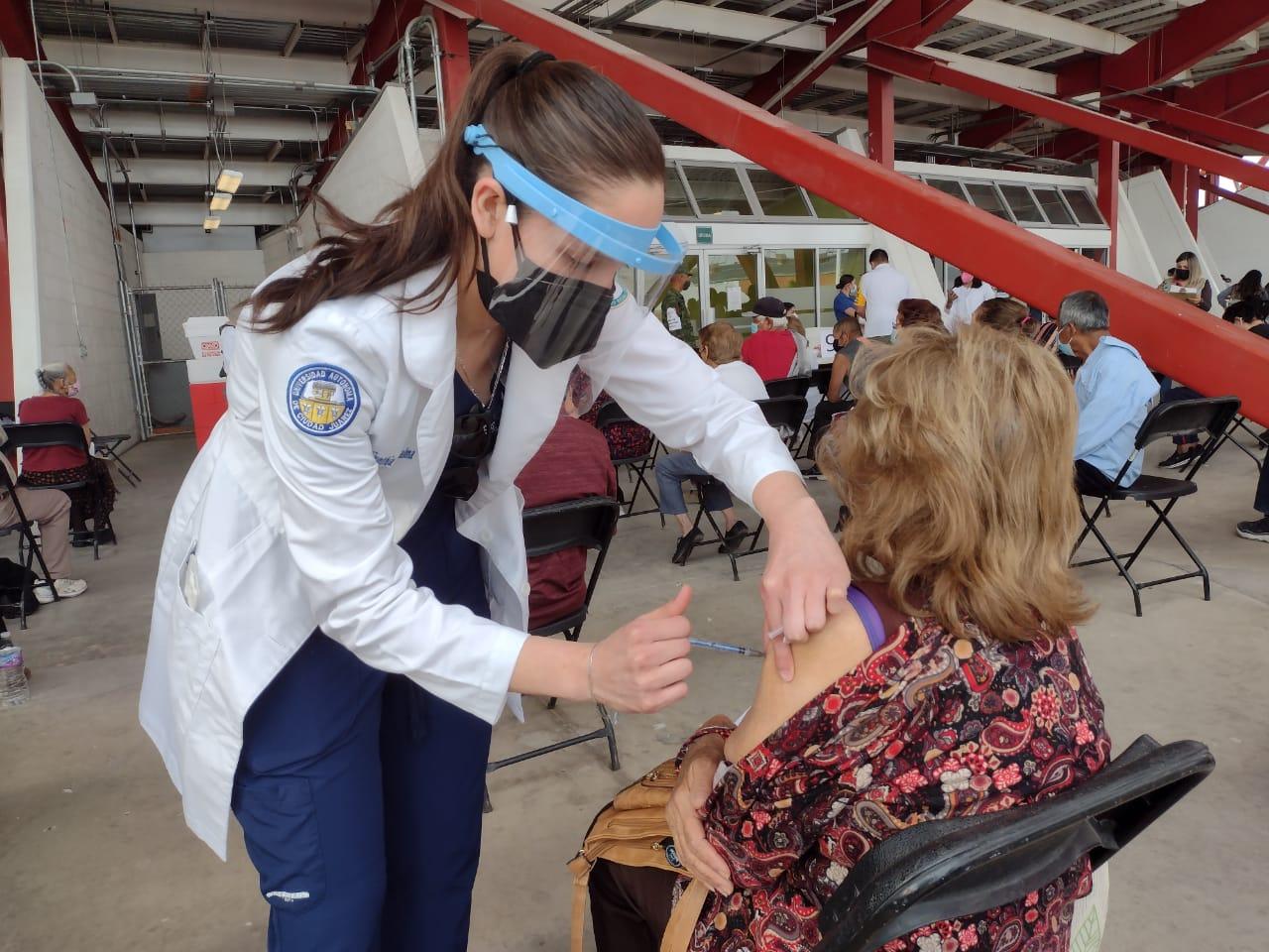 Prepara la UACJ logística para vacunar a más de 34 mil estudiantes